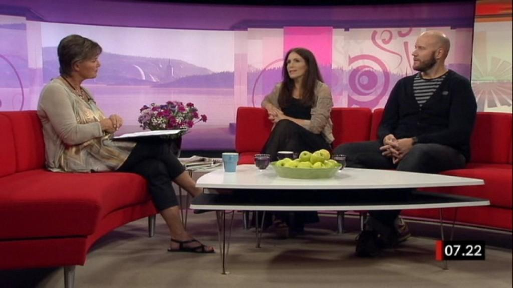 Lotta Bouvin, Elin Frendberg och Fredrik Wass i Gomorron Sverige