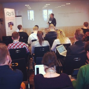 Martin Comstedt från Eniro pratar om API:er.