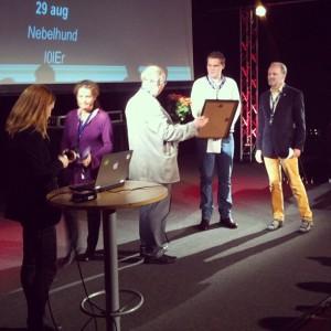Flashback-grävarna tar emot priset för Sveriges Radios pris Medieormen 2011.