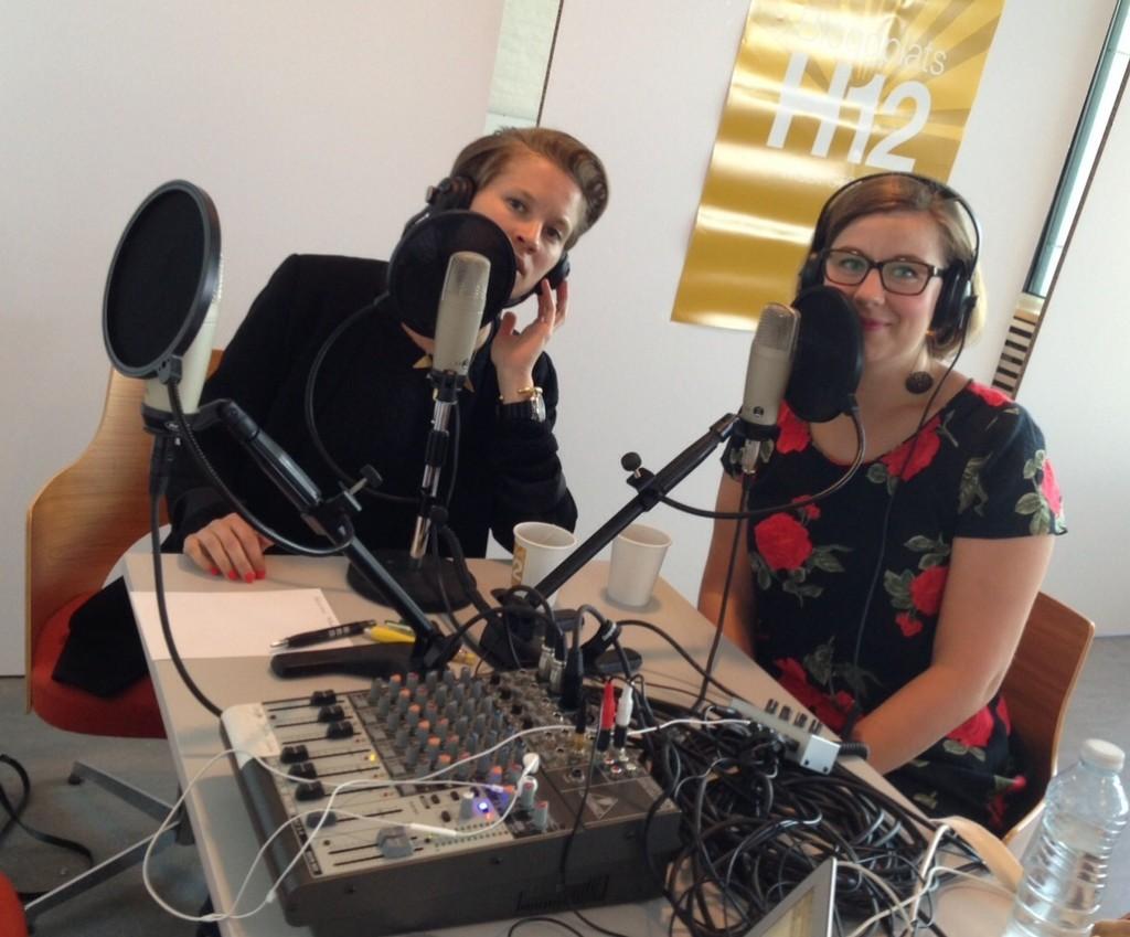Sara Haraldsson från Maktsalongen och podden Fan Vad Fittigt gästar studion.