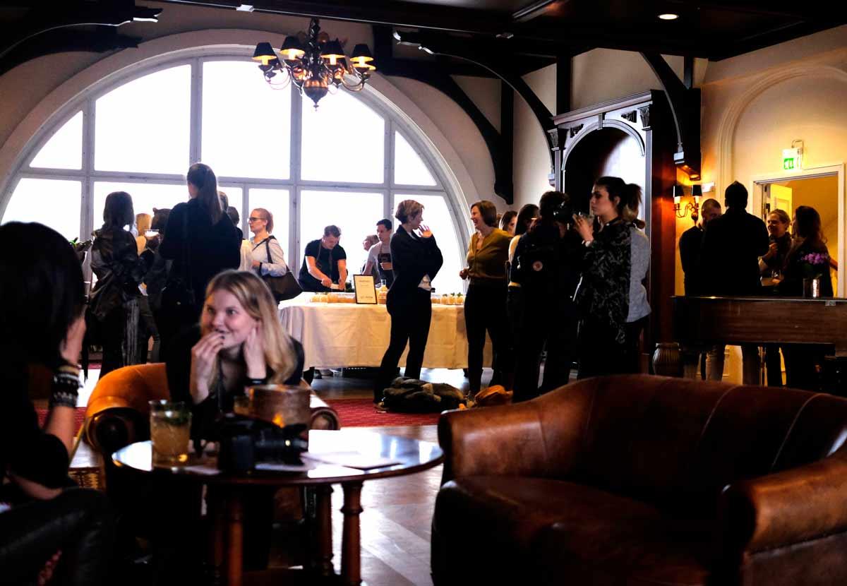 Influencer-mingel på Hotel Saltsjöbaden som just nu genomgår en större omgörningsfas med renoveringar och nysatsningar kommande tre åren. Rimligtvis ett smart drag att arrangera ett influencer-event som en del i den processen.