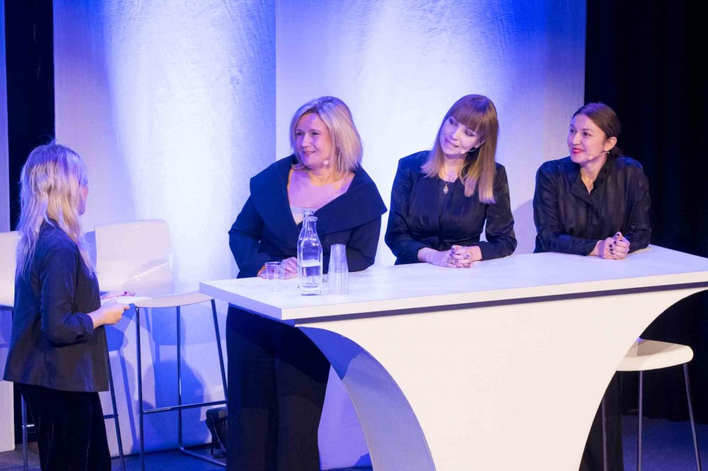 Diskussion om representation i media med Cissi Elwin (chefredaktör tidningen Chef), Maja Bredberg (pr-strateg Forsman & Bodenfors) och Devrim Mavi (Kanslischef Fi samt fd chefredaktör Hotellrevyn och Arena). Foto: Anette Persson.