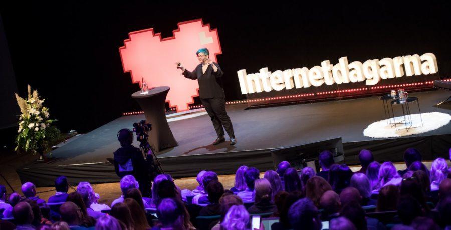 Cathy O'Neil på Internetdagarna. Foto: Sara Arnald (CC-BY)