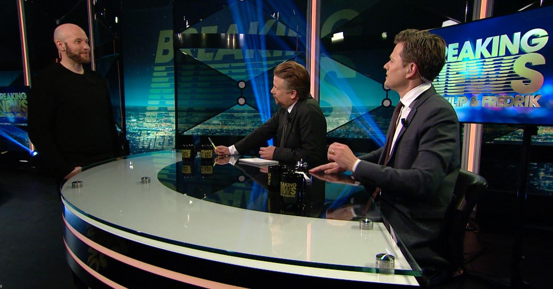Fredrik Wass medverkar i Breaking News med Filip Hammar och Fredrik Wikingsson